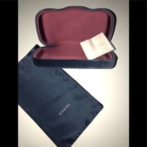 Gucci Large Blue velvet sunglass case brand new
